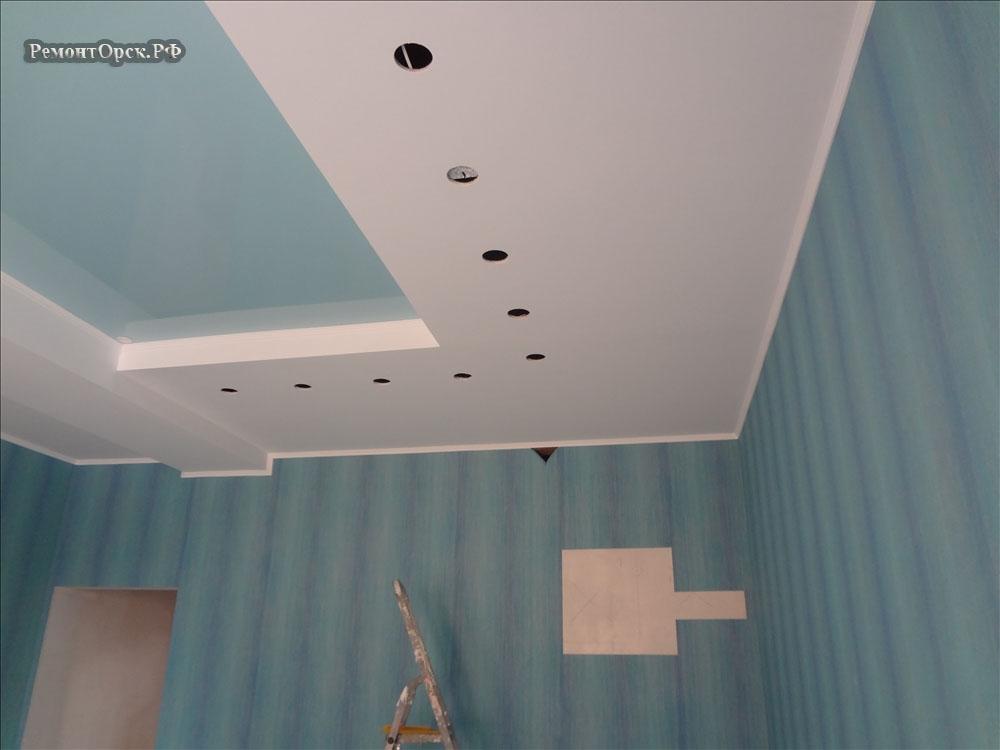 потолок ГКЛ + натяжной на кухне