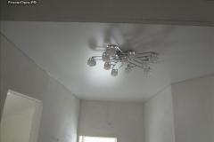 натяжной потолок + люстра