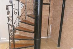 монтаж лестницы винтовой в доме
