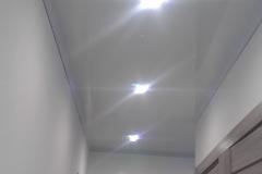коридор натяжной потолок